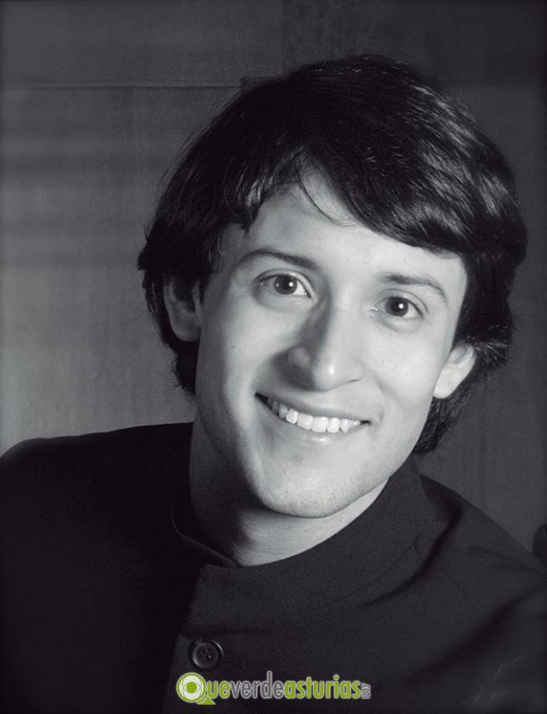 Juan Barahona-piano - 69b6a054-db86-4071-bf6f-8366b5492c87jpg