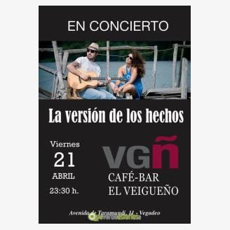 La Versión de los Hechos en concierto en Café Bar El Veigueño